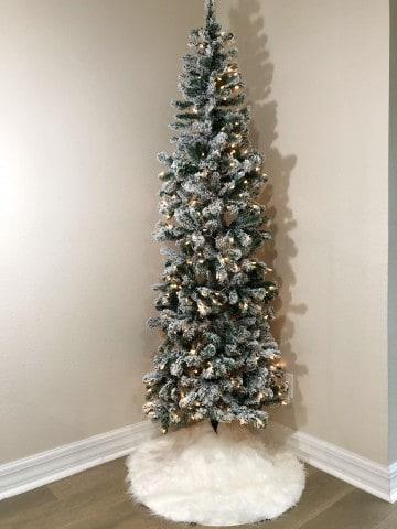 DIY Faux Fur Christmas Tree Skirt